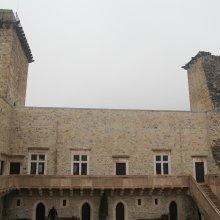 Költözik a vár