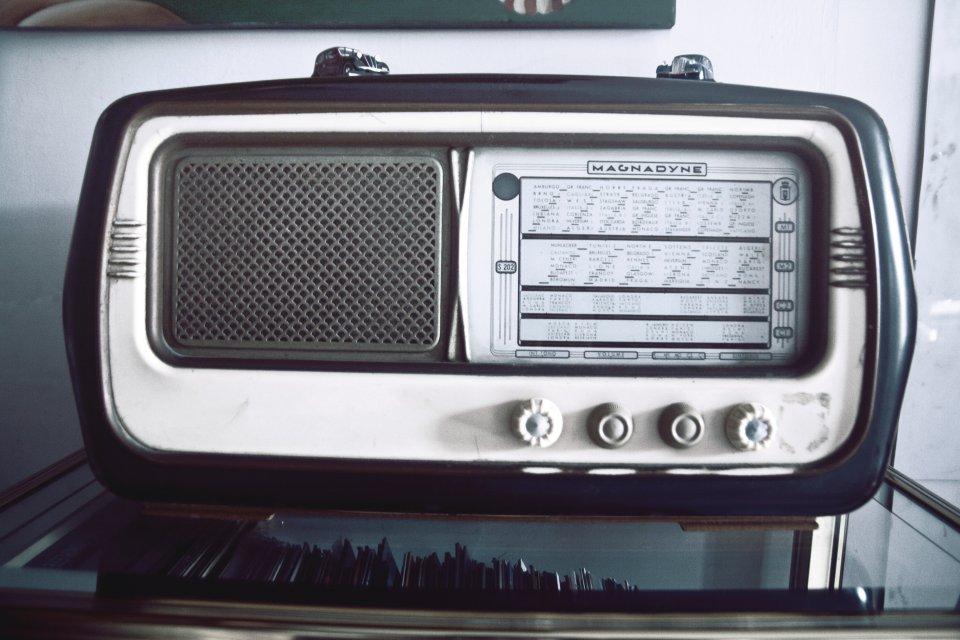 music-old-radio-speaker